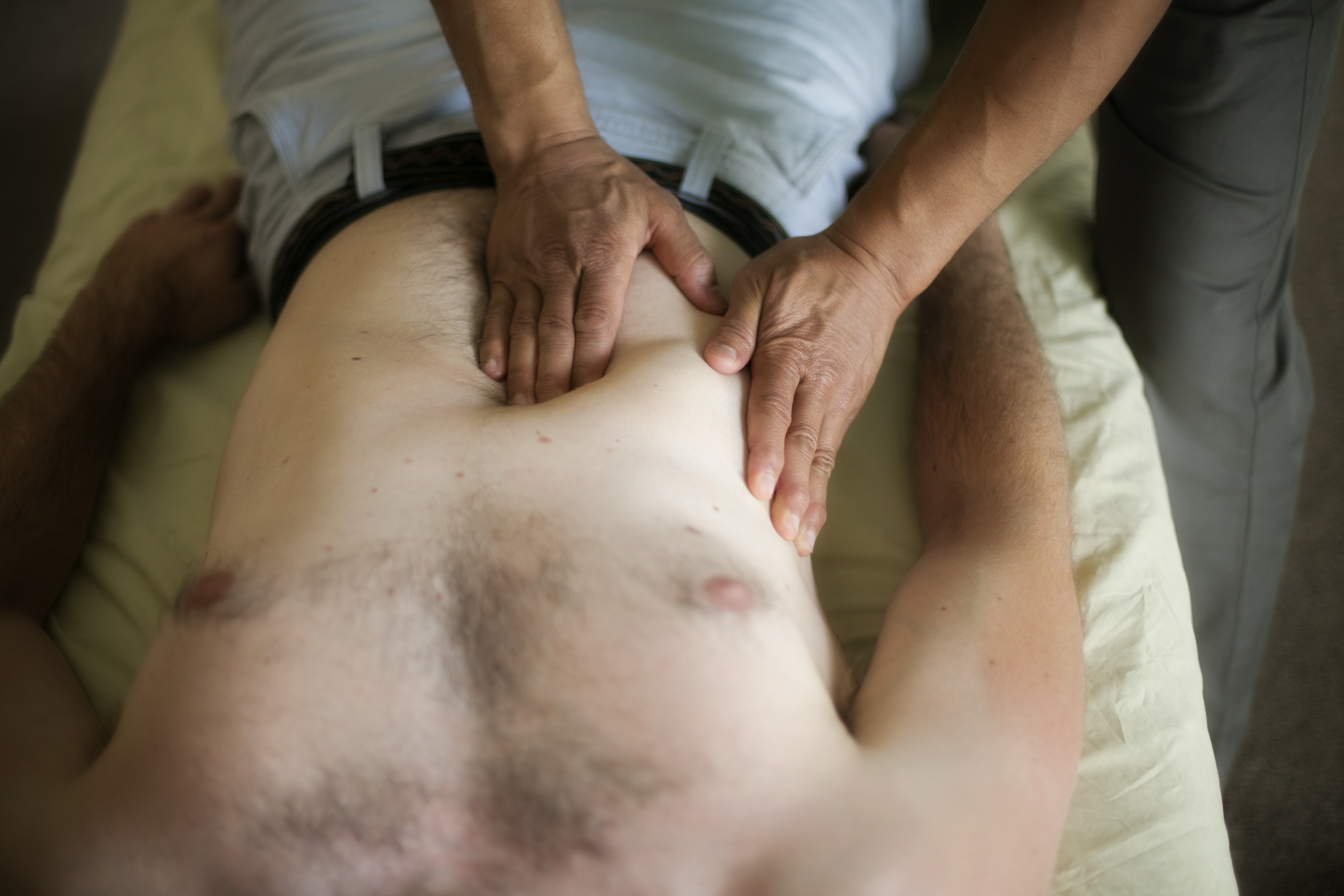 Massage therapist in Dublin, California, Massage, deep tissue, sportsÊmassage, labrum tear, lordosis, neuro-muscular, hip pain, shoulder pain, ROLF